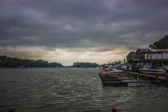Sava Belgrade för flodfartyg regn arkivbild