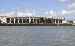 Savannah Augusti 8th: Internationell handel & Convention Center från Savannah i Georgia USA Arkivbilder
