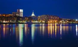 Savannah Riverfront en la oscuridad Fotos de archivo