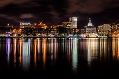 Savannah Skyline alla notte Immagini Stock
