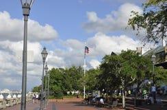 Savanne, am 8. August: Flussufer-Promenade von der Savanne in Georgia USA lizenzfreie stockbilder