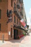 Savanne, Georgië/Verenigde Staten - Juni 25, 2018: De rivierstraat biedt het winkelen, restaurants en hotels aan Savanne` s toeri Stock Fotografie