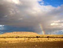 Savanne und Regenbogen Lizenzfreies Stockfoto