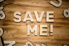 SAVE ΕΓΏ λέξεις που γίνονται με τις δομικές μονάδες που βρίσκονται στον ξύλινο πίνακα στοκ εικόνα