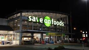Save na foods przy nocy sceną zdjęcie wideo
