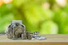 Savings plany dla opieki zdrowotnej i medycyny, pieniężny pojęcie Obrazy Stock