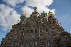 Savior στην ορθόδοξη αρχιτεκτονική της Αγία Πετρούπολης καθεδρικών ναών αίματος Στοκ Φωτογραφίες