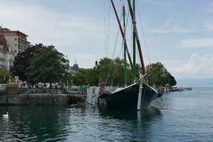 Savoie traditionellt fartyg på Evian-les-Bains arkivfoton