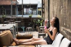 savon asiatique sexy de bulle de coup de fille Photo libre de droits