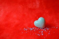 Savon en forme de coeur bleu Photos stock