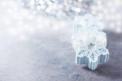 Savon fait main sous forme de flocons de neige, concept naturel de cosmétiques Place pour le texte Photos libres de droits