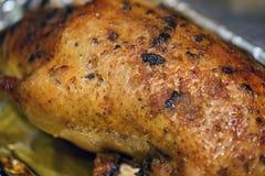 Savoureux cuit au four dans le canard de four images stock