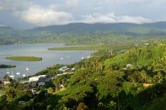 Savusavu marina och Nawi holme, Vanua Levu ö, Fiji arkivbilder