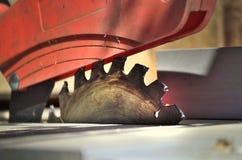 saw för bladcircularclose som skjutas upp Arkivbild