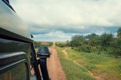Sawanna ślad i safari dżipa samochód Fotografia Stock