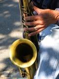 Saxofón a solas fotos de archivo