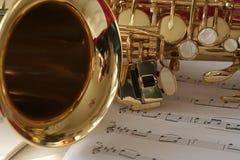 Saxofón y música Fotos de archivo