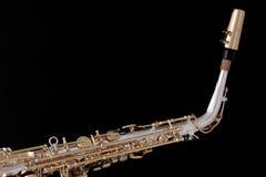 Saxofone do alto isolado de encontro ao preto Fotos de Stock Royalty Free