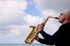 saxofonist arkivbild