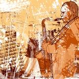 Saxofonist på en grungebakgrund Arkivfoto