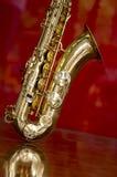 Saxofonmässingsmusikinstrument Arkivbilder