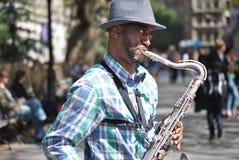 Saxofonspelare, New York City royaltyfri fotografi
