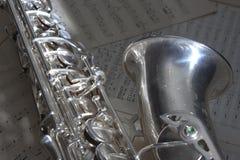 Saxofoon en de oude muziek van het Blad Royalty-vrije Stock Afbeelding