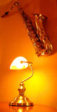 Saxophon auf der Wand Lizenzfreie Stockfotos