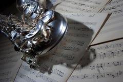 Saxophon und alte Blattmusik Lizenzfreies Stockbild
