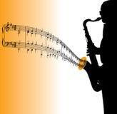 Saxophone jouant la musique Photo stock