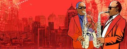 Saxophonist zwei über einer panoramischen Ansicht O des Hintergrundes Lizenzfreie Stockfotos