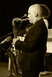 saxophoniste exécutant l Images stock