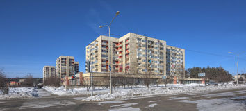 SAYANSK, IRKUTSK/RUSSIA - 26 FEBBRAIO: Case di abitazione Fotografia Stock