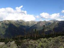 Sayantaiga en bergen Stock Afbeelding