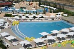 Sbarco del Aqua vicino alla spiaggia piena di sole, Bulgaria Immagini Stock