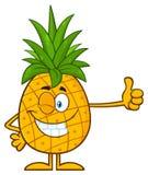 Sbattere le palpebre la frutta dell'ananas con verde copre di foglie carattere della mascotte del fumetto che dà un pollice su illustrazione vettoriale