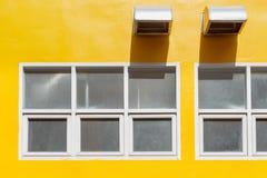 Sbocchi dello sfiato e di Windows fotografie stock libere da diritti