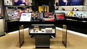 Sbocco dei cosmetici di Chanel Fotografie Stock Libere da Diritti