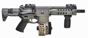 SBR AR15 med valsmag och fwd-pistolfattandet Arkivbild