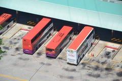 SBS-Bussen bij de Uitwisseling in Singapore royalty-vrije stock afbeeldingen