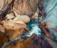 Scène colorée de ressort à l'intérieur de canyon de Goynuk Images libres de droits