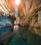 Scène colorée de ressort à l'intérieur de canyon de Goynuk Photos libres de droits