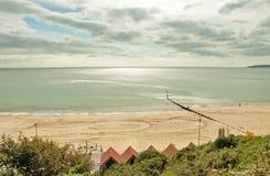 Scène d'été sur la plage de Bournemouth Photo stock