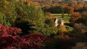 Scène d'automne de château de Scotney en Angleterre photos libres de droits