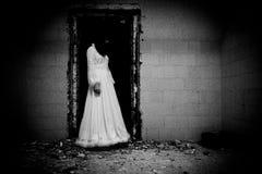 Scène d'horreur d'un femme effrayant images stock