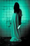 Scène d'horreur d'un femme effrayant Photographie stock