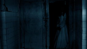 Scène d'horreur d'un femme effrayant