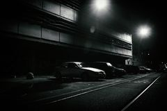 Scène d'horreur d'une rue sombre la nuit photos stock