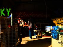 Scène d'ombre à un marché Photographie stock libre de droits