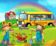 Scène de bande dessinée avec des enfants à la ferme ayant l'amusement et l'autobus scolaire Photo stock